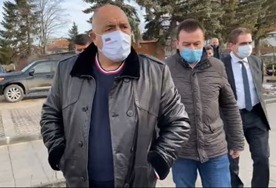 Премиерът Бойко Борисов пристигна на проверка в Сливница КАДРИ: Фейсбук