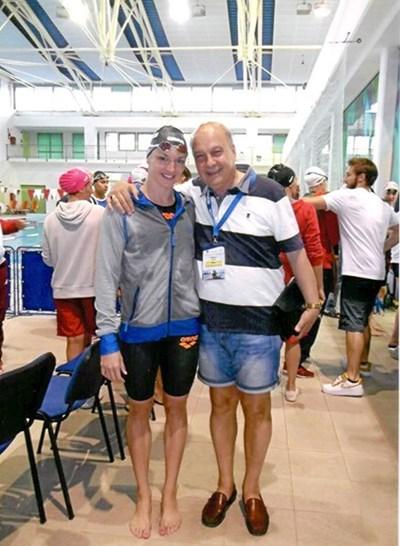 Авторът Георги Марков с голямата звезда на унгарското и световното плуване Катинка Хосу - трикратна олимпийска и деветкратна световна шампионка.