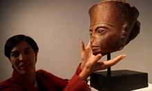Битката за Тутанкамон и как миналото може да бъде ограбено и продадено