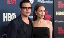 Войната на семейство Смит тихо приключи. Анджелина Джоли се среща с мистериозен брокер