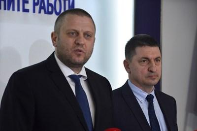 Шефовете на столичната и националната полиция Георги Хаджиев и Христо Терзийски (от ляво на дясно) разказаха за обира. СНИМКА: ЙОРДАН СИМЕОНОВ