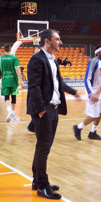 """Старши треньорът на пловдивския """"Академик Бултекс 99"""" Асен Николов получи днес много поздравления за юбилейния си 45-ти рожден ден."""