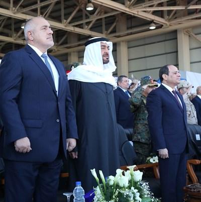 Борисов с престолонаследника на Абу Даби и египетския президент на откриването на военната база в Беренис СНИМКА: РОЙТЕРС