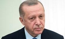 """Защо Ердоган иска """"Света София"""" да стане джамия ?"""