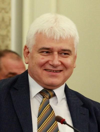 Проф.Пламен Киров