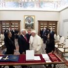 Папа Франциск прие американския вицепрезидент Майк Пенс (Снимки)