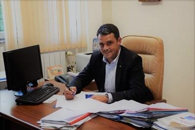 """Кметът на """"Централен"""" Георги Стаменов иска младите да мислят и пишат критично."""