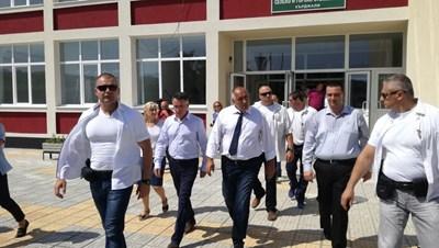Бойко Борисов посети Професионална гимназия по селско и горско стопанство в Кърджали. Снимка: Авторът