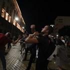 Протестиращите мятаха яйца и домати по сградата на парламента в 75-тата вечер на недоволство (Видео)