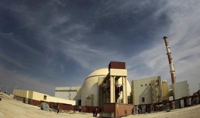 Така изглежда атомната електроцентрала Бушер, на около 1200 км (746 мили) южно от Техеран, на 26 октомври 2010 г.