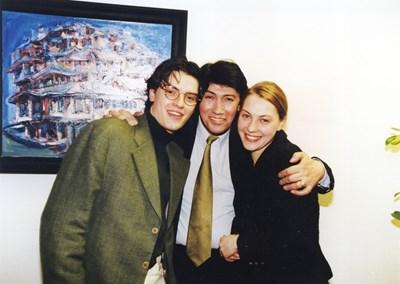 Бисер Киров е прегърнал децата си Венциноса и Бисер-младши Снимки: Семеен архив
