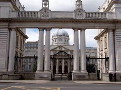 Сградата на ирландското правителство в Дъблин СНИМКА: Уикипедия/Jtdirl