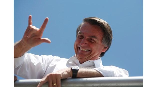 Жаир Болсонаро - бразилският Доналд Тръмп. Намушкан е по време на предизборната си кампания