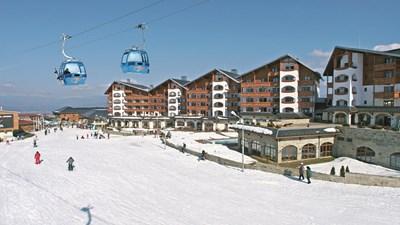 Зимните курорти са едни от първите места, за които кувертите за коледно-новогодишните празници свършват.