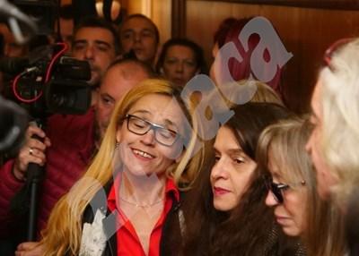 Десислава Иванчева и Биляна Петрова преди да чуят осъдителните присъди. СНИМКА: Йордан Симеонов СНИМКА: 24 часа
