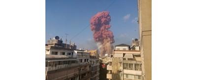 Взривът помете голяма част от Бейрут