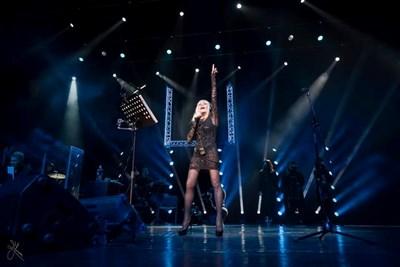 Лили Иванова пее на 10 декември 2019 г. в зала 1 на НДК. СНИМКА: ИНА ЯНЕВА