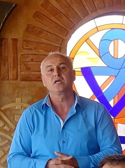 С достойнство и доблест Бончо Генчев се оттегля от битката за Парламента