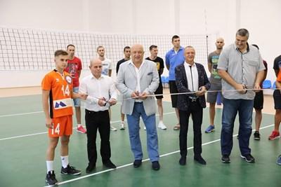 Красен Кралев и Любомир Ганев откриват обновената зала в Русе Снимки: Авторът