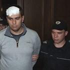 Викторио Александров в съда след задържането му. Той е с лепенка, защото опитал да се застреля, но се уплашил.