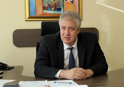 Проф. Асен Балтов