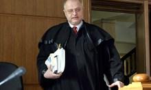 Дело за грабеж на касетофон 12 години събира прах в кабинет на съдия