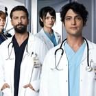 Танер Йолмез (в средата) е в образа на гениалния млад лекар.