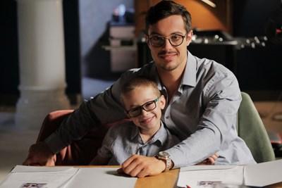 Филип Буков играе баща, който изненадващо научава  за съществуването на сина си.