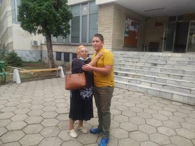 70-годишната Антоанета Камбурова благодари на деца от Монтана, намерили и върнали портмонето й с 400 лева