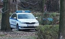 Гей отряза пениса на гаджето си в Борисовата градина. Двамата били клошари