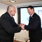 Премиерът Борисов със заместник-държавния секретар по икономическия растеж, енергетика и околна среда на Държавния департамент на САЩ Кийт Крач СНИМКА: Фейсбук/Бойко Борисов