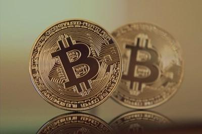 След кратко затишие в края на миналата седмица, последвано от колебания на едно по-стабилно ниво, курсът на криптовалутата Bitcoin възобнови стремителния си ръст СНИМКА: Pixabay