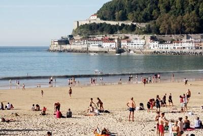 Плажът Ла Конча на 25 октомври в 4 часа следобед. Сами преценете дали искате на остареете на подобно място. Снимки: Авторът