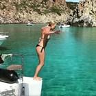 Койна Русева скача във водата като грациозна русалка (Видео)