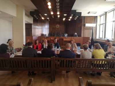 Съдии и адвокати коментираха проблеми, свързани със Закона за правната помощ.