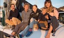 Грета Тунберг отплава от САЩ за Европа с катамаран (Снимки)