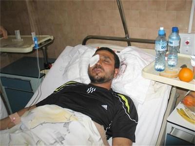 Пребитият от роми евангелистки пастор Бисер Ангелов лежи в пазарджишката болница. СНИМКА: АВТОРЪТ