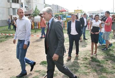 Нено Димов дойде в Пловдив да направи първа копка на фитнес площадка. Снимка: Евгени Цветков