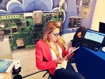 Виктория Маринова на работното си място СНИМКА: Личен профил във Фейсбук