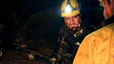 Атанас Русев по време на акцията със спускането в пещера Попов извор.