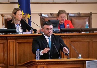 Младен Маринов след скандала с централата: А ще забранят ли и ГЕРБ като партия?!