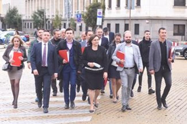 Нинова: И в следващия парламент правителство без БСП не може да бъде създадено