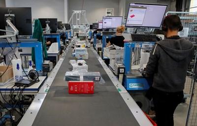 Швейцарската икономика може да се свие с до 10,4% тази година СНИМКА: Ройтерс