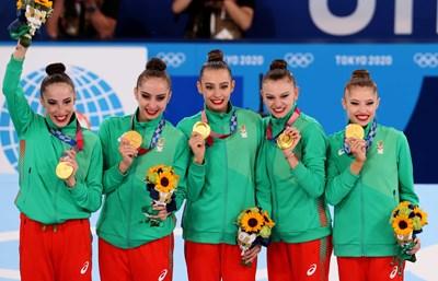 Симона Дянкова, Стефани Кирякова, Мадлен Радуканова, Лаура Траатс и Ерика Зафирова - първите в историята олимпийски шампионки на България в художествената гимнастика бяха обявени за почетни граждани на София.