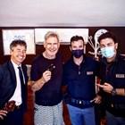 Харисън Форд заедно със сина на Паоло Борселино (вляво) и двама полицаи. СНИМКА: Фейсбук