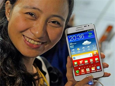 Голяма част от водещите производители на мобилни устройства използват Android. Платформата обаче не може да се похвали с особени успехи сред таблетите. СНИМКИ: РОЙТЕРС