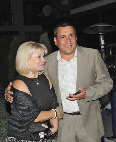 Тончо Токмакчиев заедно със съпругата си Нели СНИМКА: БУЛФОТО