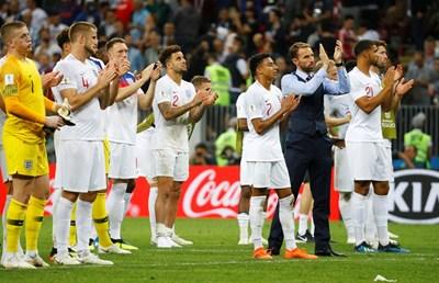 Нередовни чорапи на двама футболисти донесоха на Англия глоба от 60 000 евро. СНИМКА: РОЙТЕРС
