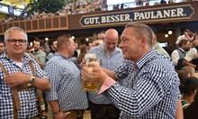 8 милиона литра бира се изпиват на Октоберфест. 600 хиляди души го посещават всеки ден