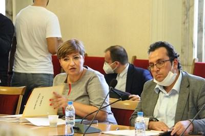 Председателката на правната комисия Анна Александрова и нейният заместник Христиан Митев (вдясно).